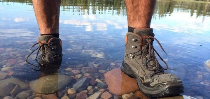 waterproof-hiking-boots-feat